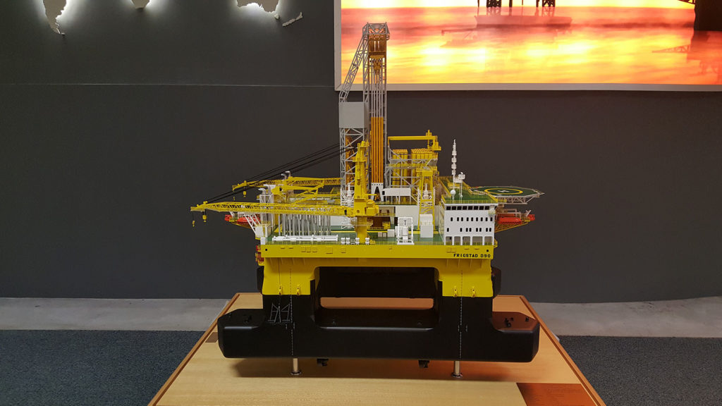 Exhibition Display Services : A b s model marine and engineering scale maker